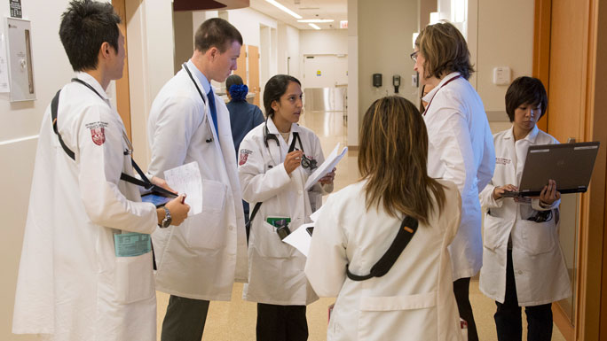 residents or fellows rounding with Olwen Hahn, MD