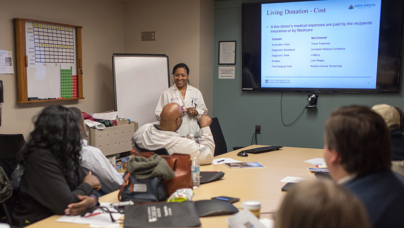 Living Kidney Donor Nurse Coordinator Kathy Davis, RN, leads a Champion Program training session.