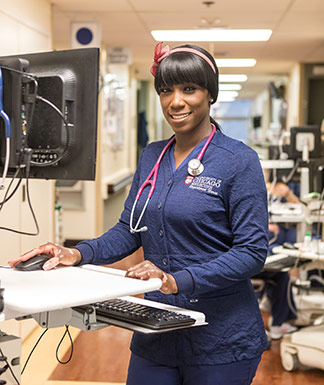 Dorian Brantley working as a nurse at UChicago Medicine