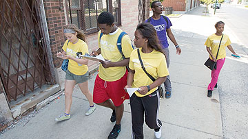 Students in MAPSCorps/South Side Health and Vitality Studies, led by Dr. Stacy Lindau, survey community assets