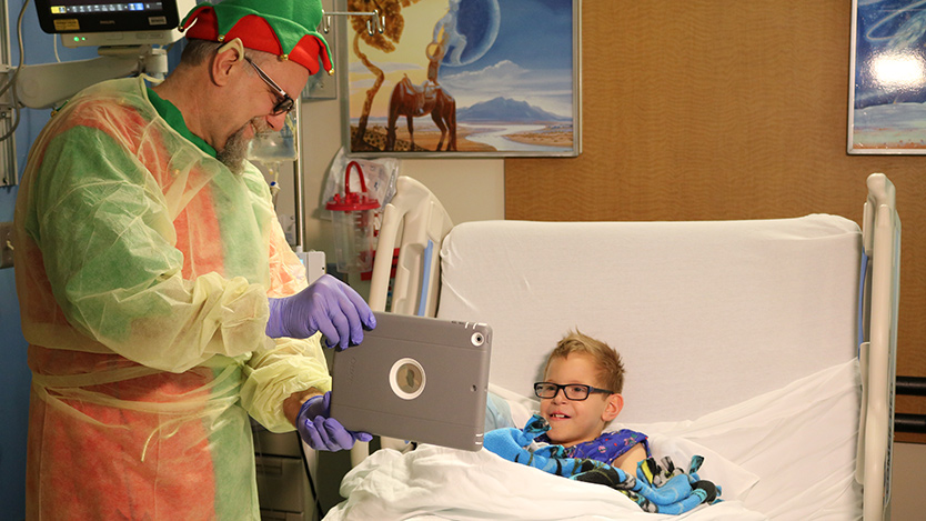 Comer patients videochat with Santa
