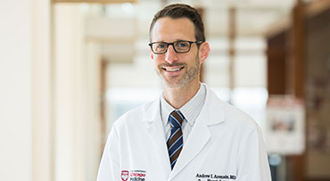 Portrait of Andrew Aronsohn, MD, specialist in medical management of liver transplantation.